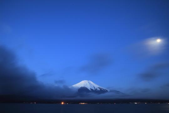 夜明けの富士.jpg